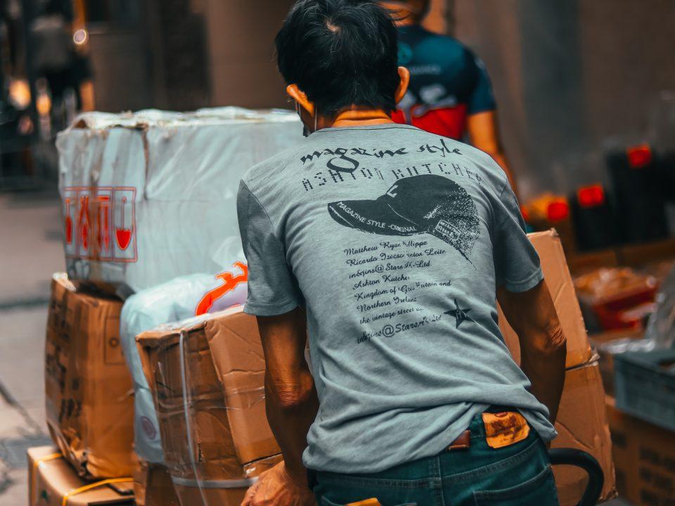 cheapest courier service in dubai